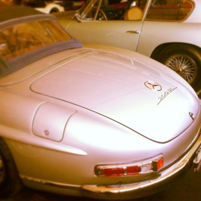 Old picture but one of the best cars ever made. Mercedes 300 sl roadster. Classic. #mercedes