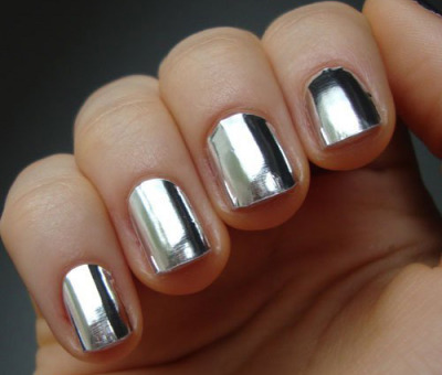 Forget polish. Try this Metallic Silver Nail Foil Wraps