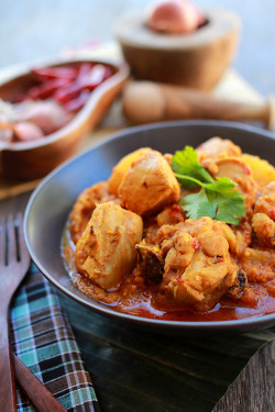 yummyinmytumbly:  Devil's Curry
