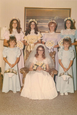 vintagebrides:  1970's bride with her maids