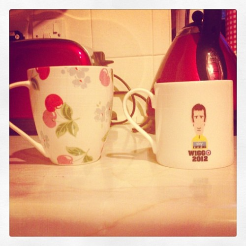 Cups of tea before bed. #tea #cathkidston #teamsky #wiggo #rouleur (at Weavers Loan)