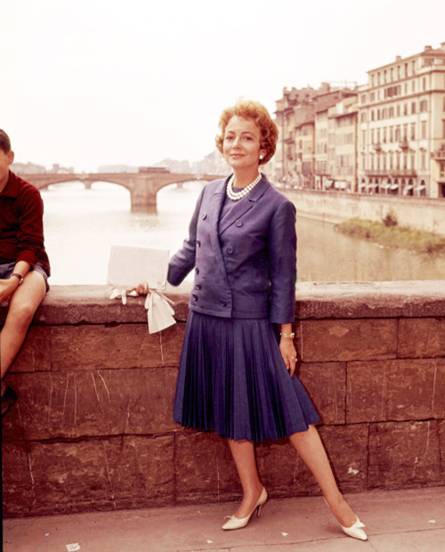 marthaivers:  Olivia de Havilland in Florence, Italy
