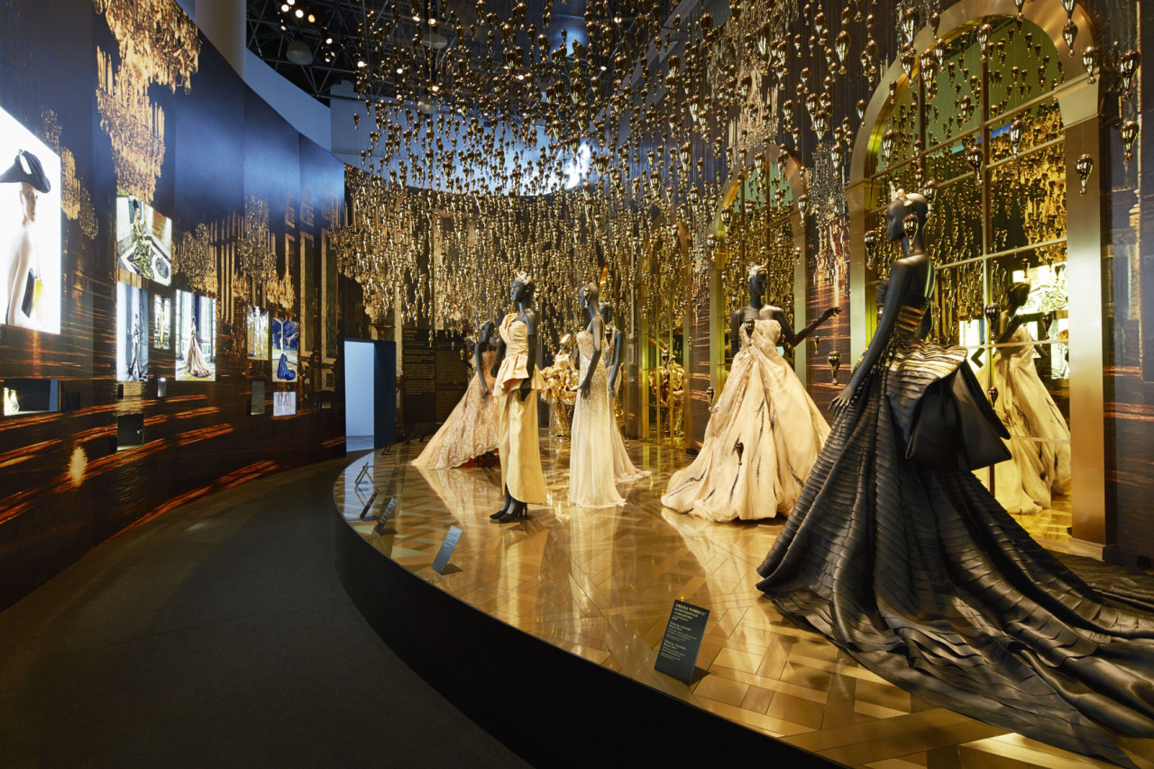 'Esprit Dior' exhibition in Shanghai More on: http://bit.ly/13WucPs