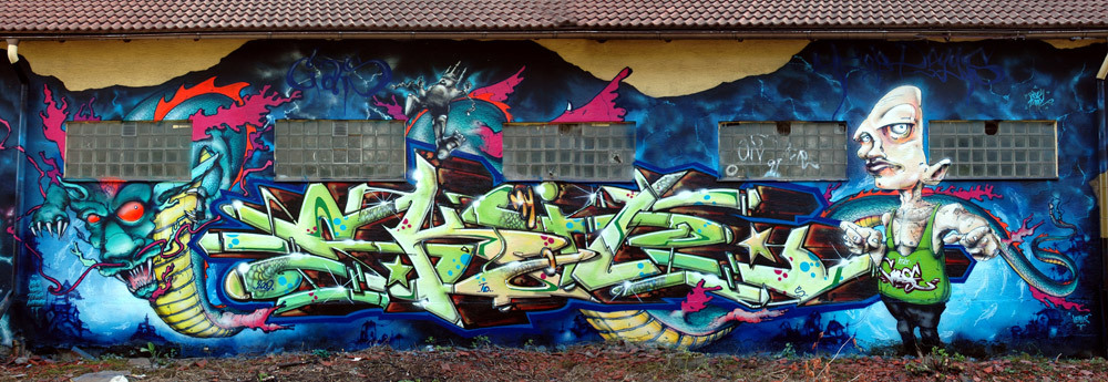 Solvalla wall in Stockholm with Skil Top Doggz. Was invited by Skil to do this wall in 2009. Always a really nice process working together with Skil.  Gouge One