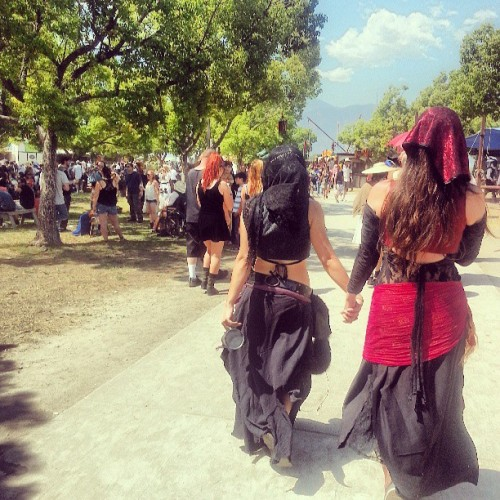 Went to the Ren faire with two beautiful ladies. @van_crow @sandeehex  (at Rennaisance Pleasure Faire)