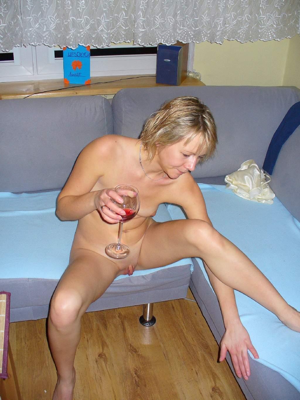 Mature lesbian pussy grinding