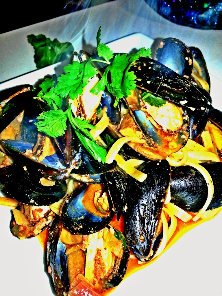 Mussles in Chorizo and Beer #Mussels #chorizo  #beer #seafood #dinner
