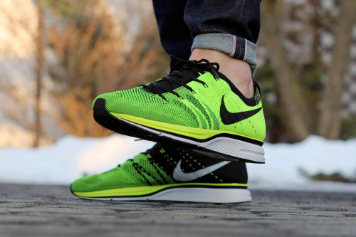 sweetsoles:  Nike Flyknit Trainer - Neon/Black (by kania)