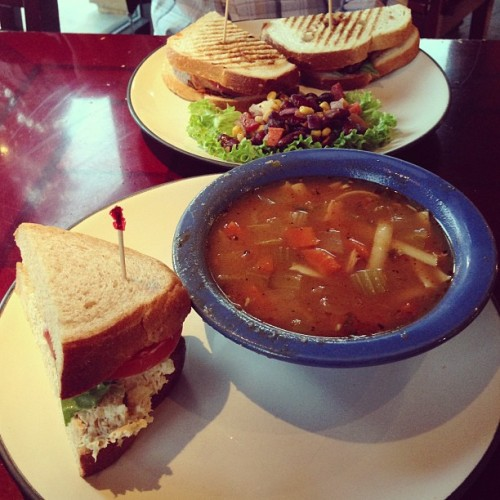 Pescado del mar sandwich & chicken noodle soup for me / chicken pesto panini for le broski 👌 #ihatebeingsick #iwillonlyleavemybedforfood