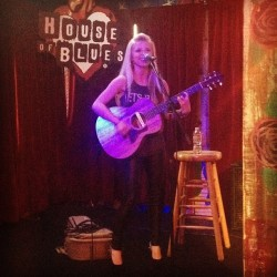 Miss @tiffanyhoughton sellin' out the voodoo lounge tonight…what!? #rockstar (at House of Blues Sunset Strip)