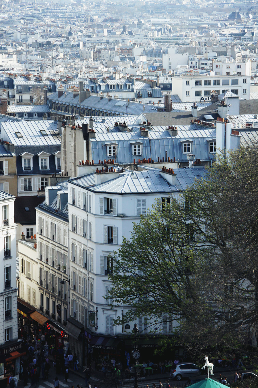 capab1e:  villesdeurope:  Paris, France  submitted by lungsfilledwithair