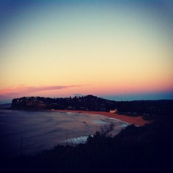 This morning take 2 #newport #beach #sydney #sunrise http://bit.ly/12taA3l