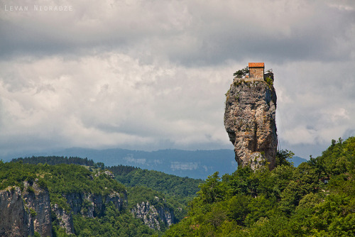 bartking:  Katskhi Pillar by Levan Nioradze on Flickr.  oooo :)