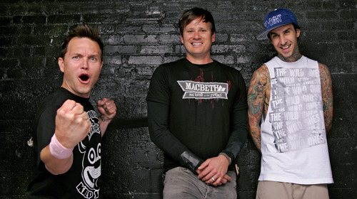 bryanstars:  Blink-182 is recording new music! Check out a post from Tom Delonge below!  This my office… Inside my studio… As I record…. A New #Blink Song