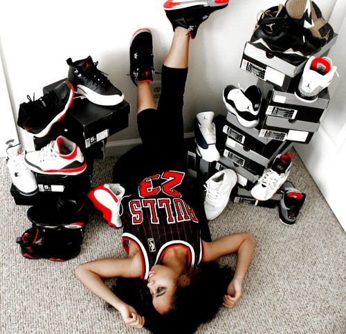 glad-iator:  Women who loves Jordan's…