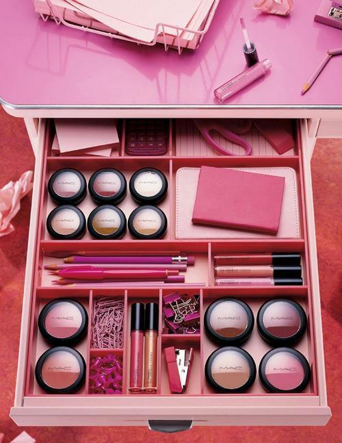 crimzonqueen13:  Makeup ♥ on We Heart It - http://weheartit.com/entry/47484636/via/MinahilRafay13
