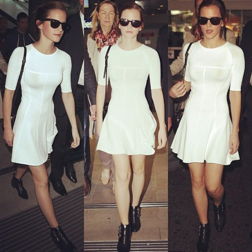#EmmaWatson 😍  That white dress looks amazing on her