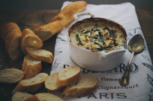 kiyoaki:  (vía Always With Butter: spring vegetable & goat cheese dip)