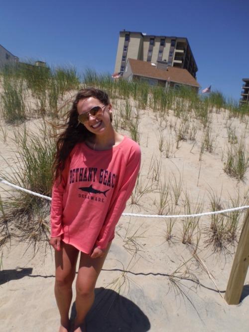 preppy girls preppy blog prep prep life long sweatshirt sand dunes beach tumblr shadows skinny girls summer girls