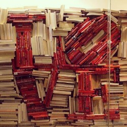 bookmania:  February loves you back! (Photo via darylrosemd)