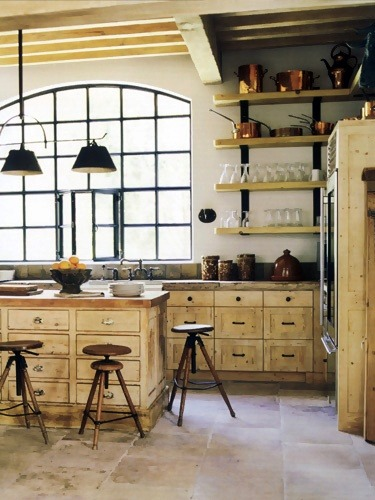 Love this chic combination of country and industrial (via Barns and Farm Houses / Eleanor Cummings)