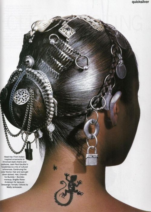 scumptious:  saloandseverine: US Vogue March 1994, Quicksilver Bridget Hall by Penn