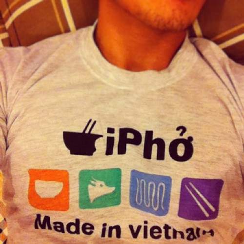All day, errday! Lmao this shirt is too pho-ing funny :p the funny thing is that because beta male here are so small, I'm actually wearing size XXL … #vietpholyfe #badjokesarebad #instadaily #peachfur #pho