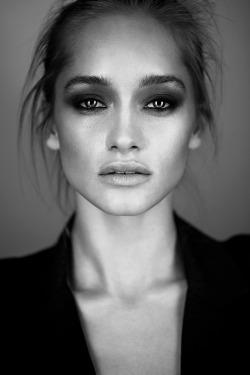 Black and White fashion Black & White portrait fashion editorial fashion photography b & w cornelia tat truls qvale