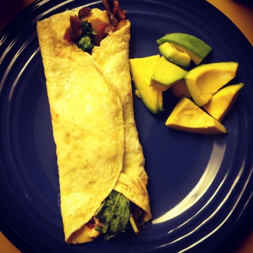 #organic #veggie #omelette with #fresh picked #avocado #yummy #delicious #healthy #vegetarian #paleo #liveclean #eatclean