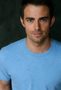 whoayourhot:  Jonathan Bennett is delicious.  Hell ya he's hot