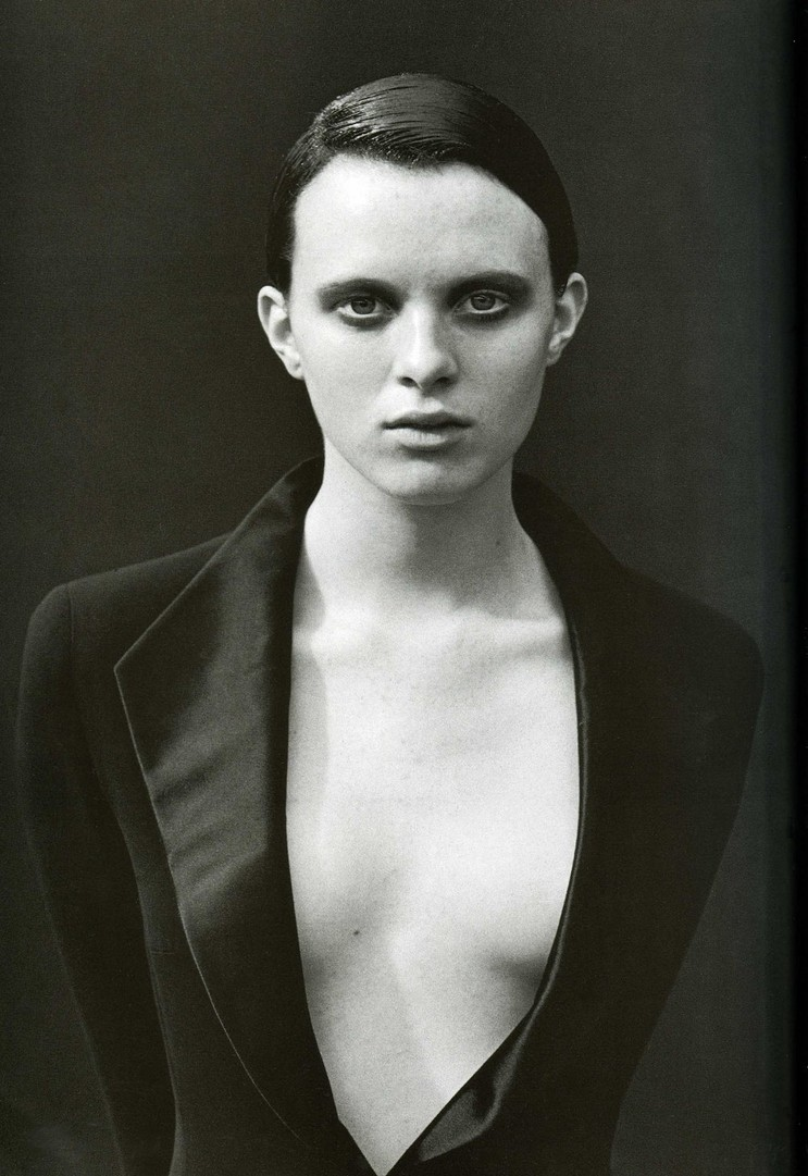 labsinthe:  Karen Elson photographed by Peter Lindbergh for Vogue Italia 1997
