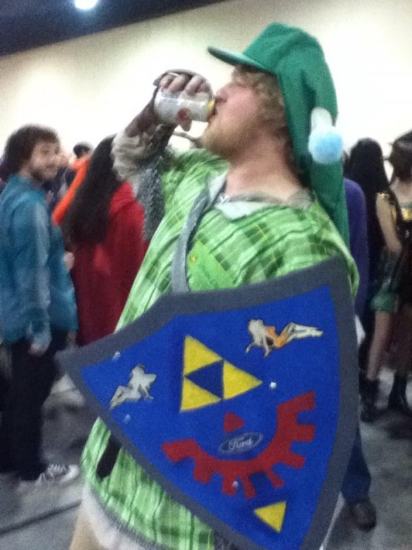 dorkly:  Redneck Link He's got the Banjo of Time.