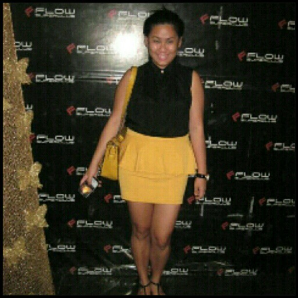 Yey thanks to @danyela24 @lowbuys for thr mustard peplum skirt. ;)