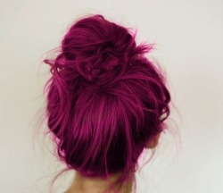 iridessence:  oldcaledonia:  love the colour :)  ;~;