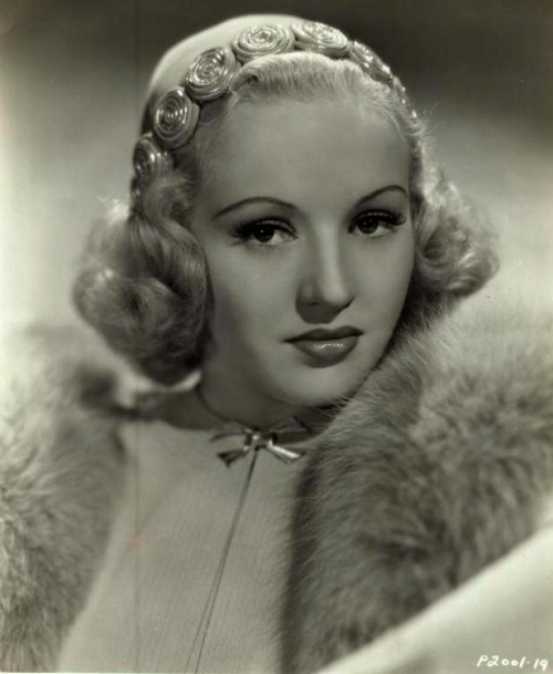 maudelynn:  Betty Grable c.1937