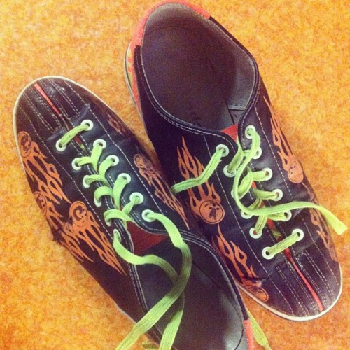 Bowling, we meet again. #bowling #AieaBowl #hawaii #aloha #goodcompany #friends #LorraineNabua @chelsieea @rubybaby13 @makuraido