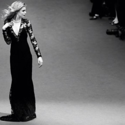 Regram of @caradelevingne  from @burberry at Cannes… WOW… AMAZING!!!!! 👍💕✨💋