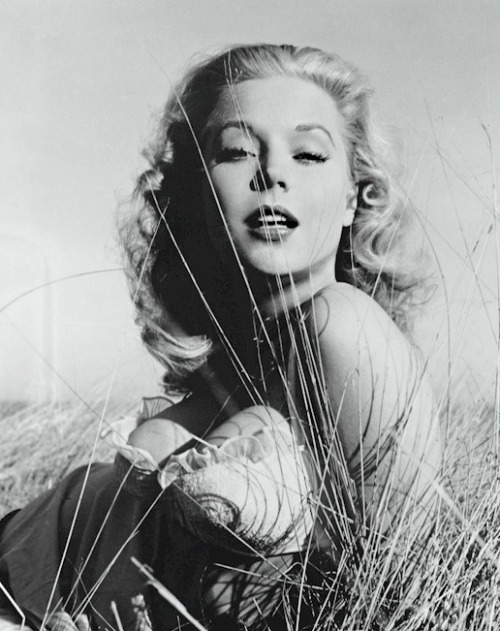 retrogirly:  Betty Brosmer