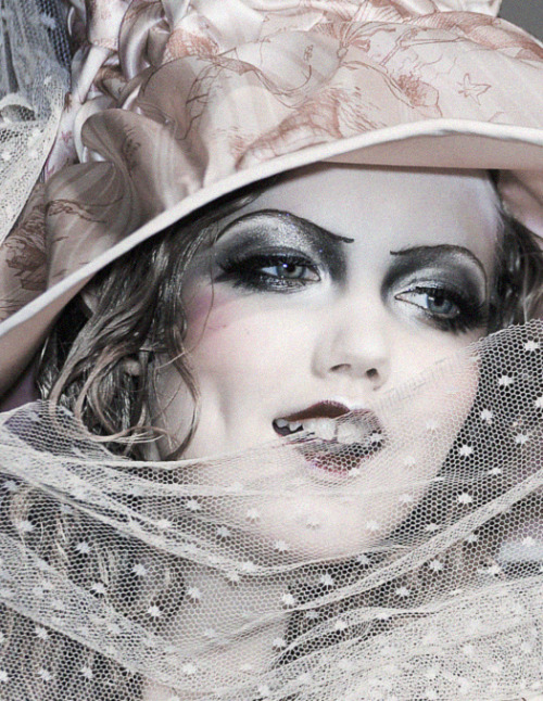 deprincessed:  Lindsey Wixson at John Galliano S/S 2011