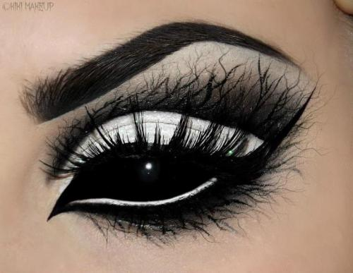 Outstanding Collection of Eye Makeup by Kirsty Childs   -   http://bit.ly/18e3H9k