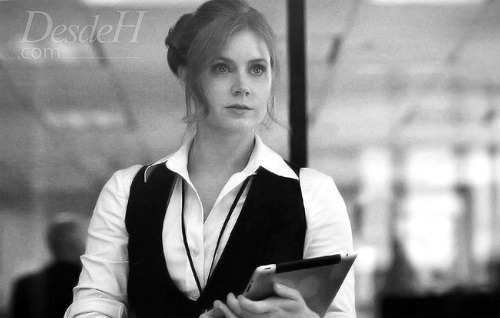 First official photo of Amy Adams as Lois Lane in Man of Steel   I like her in anything. If she ate potato chips on screen I would watch her.