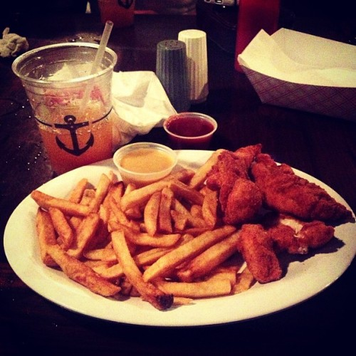 All I need in this life of sin #chickenfingers #pk3 (at Montys Fish and Stone Crab Restaurants)