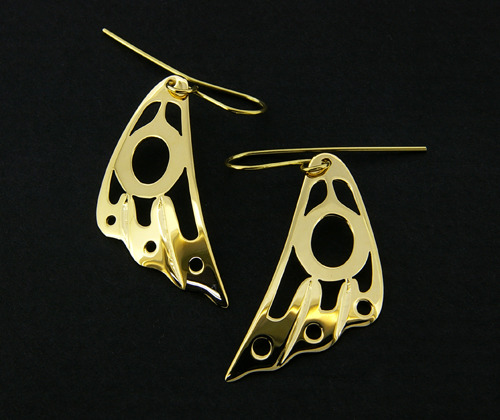 fyeahindigenousfashion:  hummingbird wing earrings, Valerie Malesku (Cree)