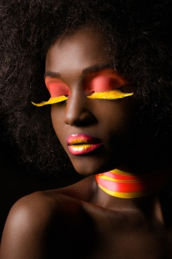 make-up-is-an-art:  Photographer: Pierre Turtaut MUA: Marysia Wejman