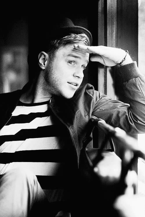 Olly Murs, you're so sexy. Oh god.