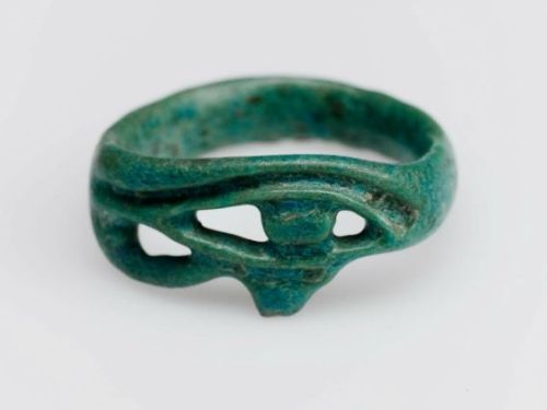 yeaverily:  Eye of Horus (wedjat) finger ring, Egyptian, New Kingdom, 1539–1075 B.C.