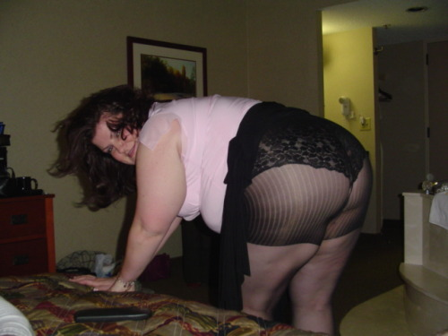 mybbw4u:for a fan - a big assortment of pictures from the last 13 yrs, including 9 months pregnant pictures and myself in my late 20s to now 40, and a cream over pie pic for a bonus. can u pick them out?