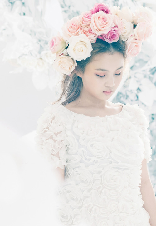 Lee Hi for 'Rose', March 2013