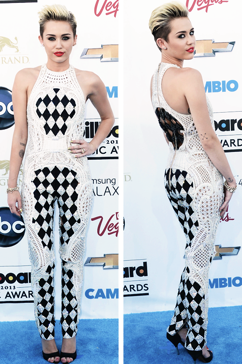 Miley Cyrus at the Billboard Music Awards.  i love Miley and have since Hannah Montana! Im not ashamed… i think she's awesome!