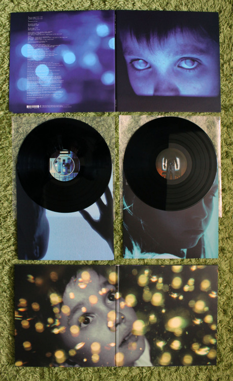 top-five-records:  Porcupine Tree | 'Fear Of A Blank Planet' | 1st press | 2xLP | Black | /? | Tonefloat | 2007   Oh god want want want!